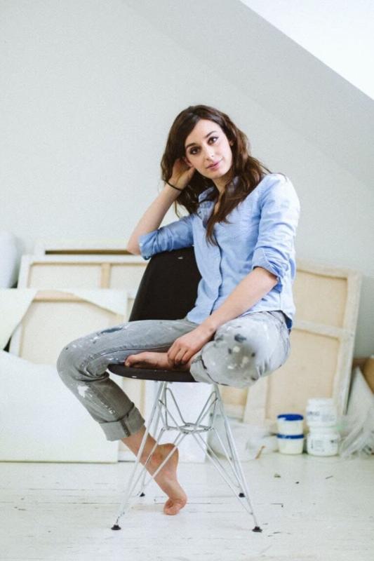 Dara Vandor Studio portrait