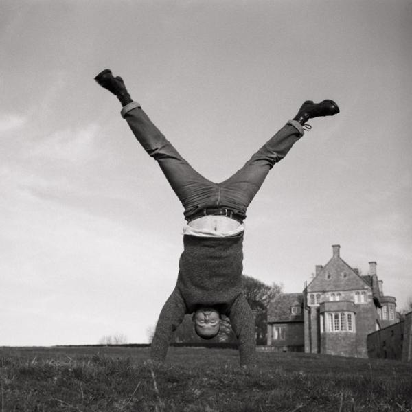 AlexanderMcQueen_handstand